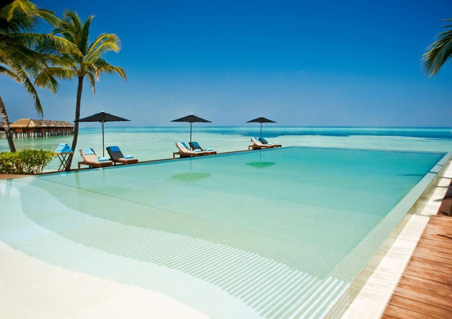 Infinity Pool - Lux* Maldives Resort - Malediven