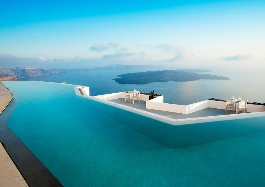 Top 10 mooiste infinity pools ter wereld - Santorini infinity pool ...
