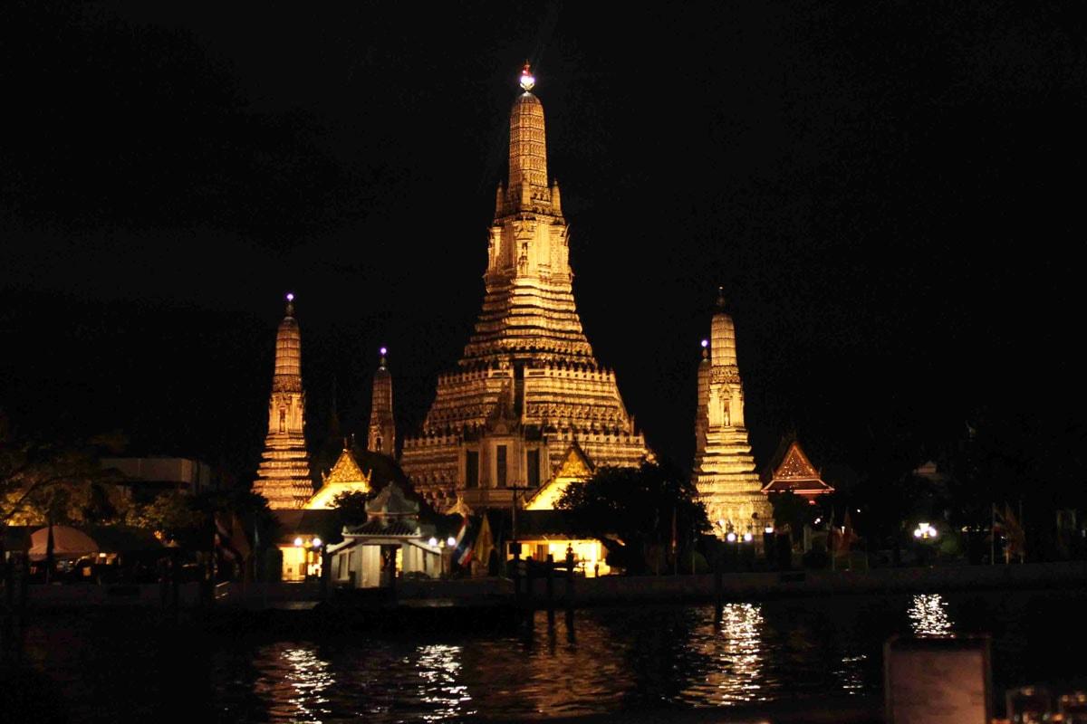 bezienswaardigheden bangkok wat arun chao phraya rivier