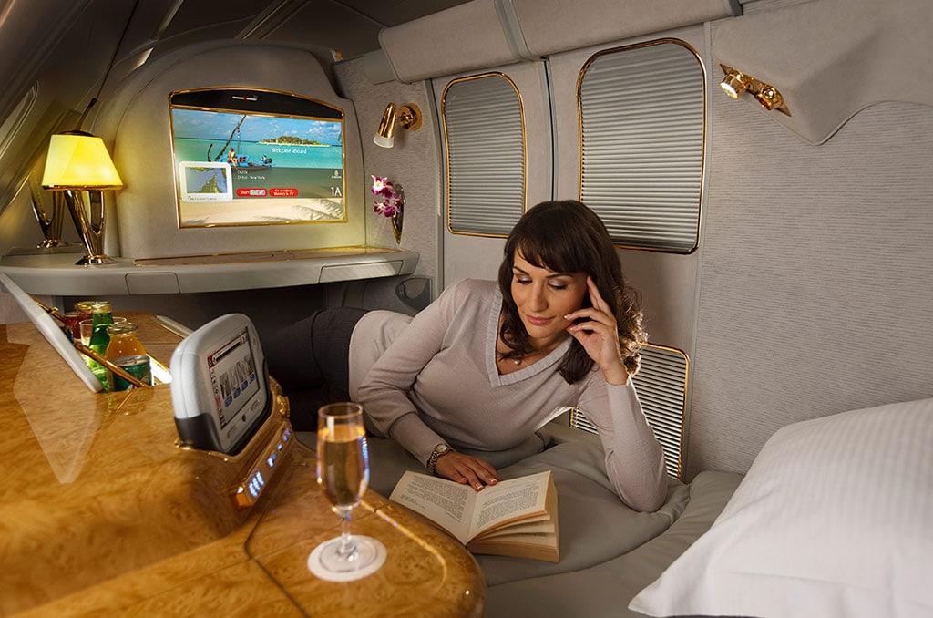 Vliegen met Emirates: Onze ervaringen en tips ... Emirates First Class A380 Suite