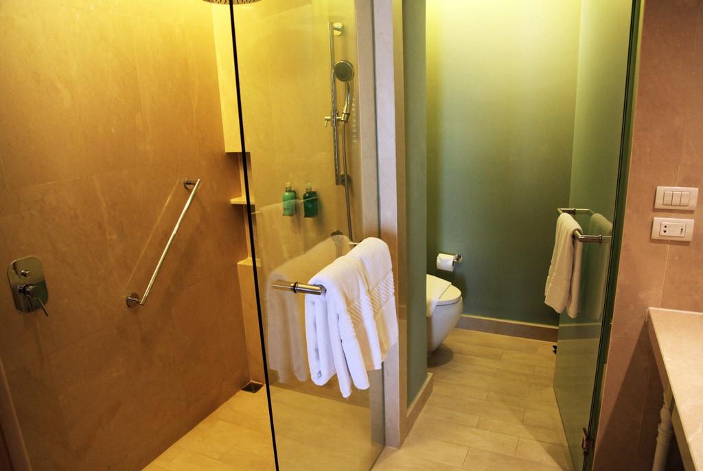 Amari Hua Hin Hotel - Badkamer deluxe kamer