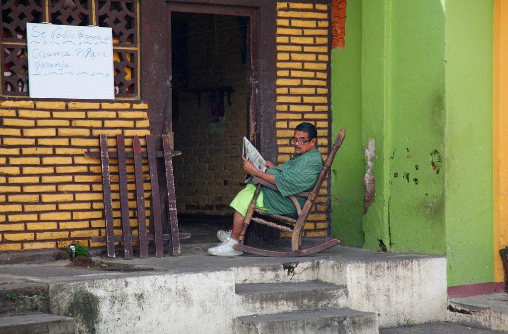 De oude koloniale straten van Granada (Nicaragua)