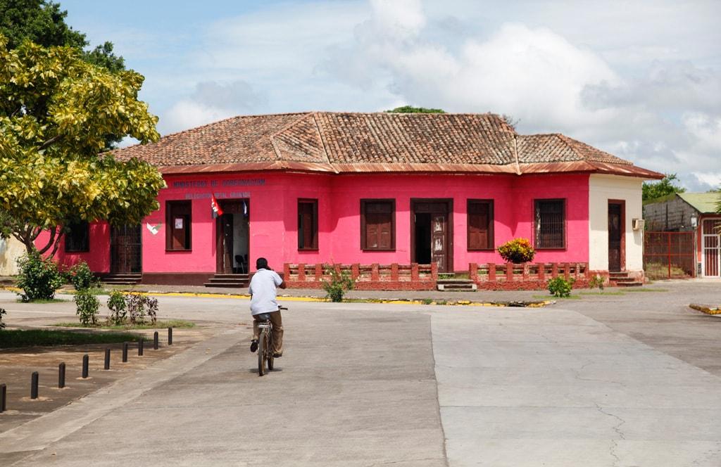 Nicaragua - Kleurrijke huizen in Granada