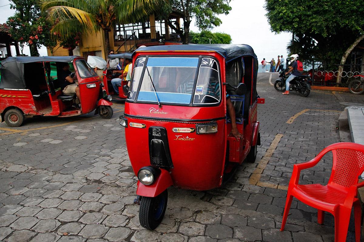 Taxi bij Catarina Viewpoint in Nicaragua