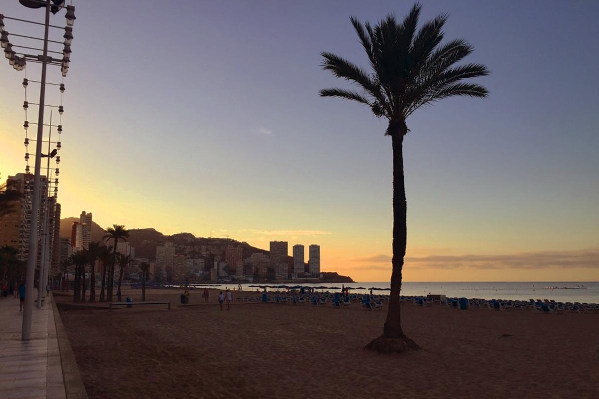 benidorm-strand-zonsopkomst