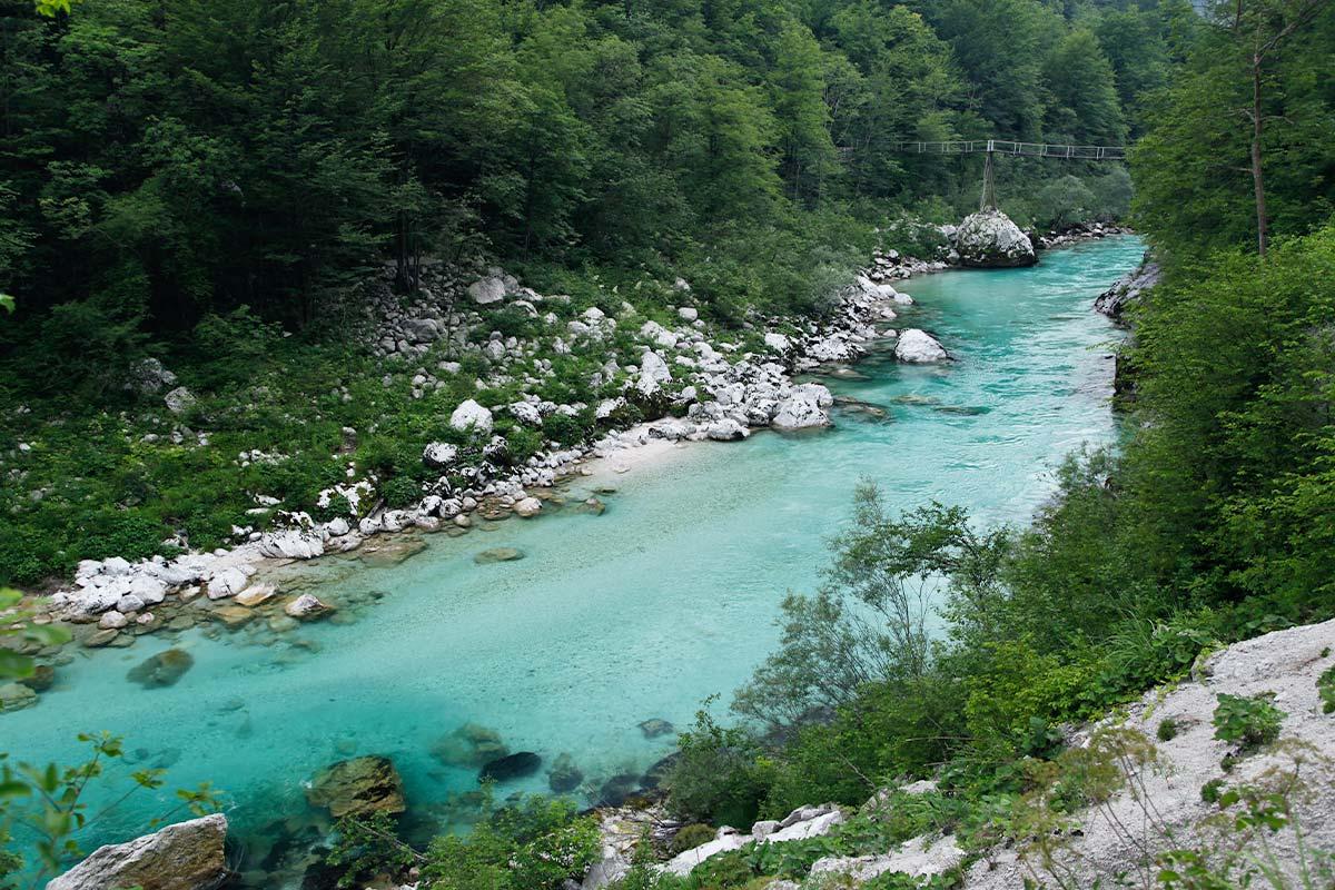 kamp-koren-kobarid-river