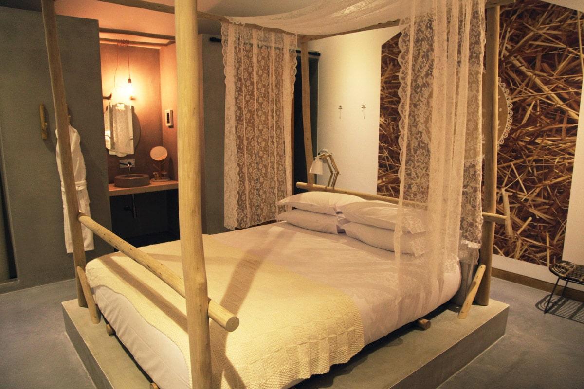 luz-houses-fatima-portugal-hotelroom