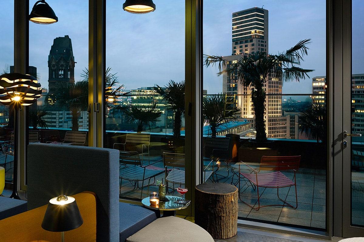 25 hours bikini berlin hotel review een urban design jungle waar je wilt slapen. Black Bedroom Furniture Sets. Home Design Ideas