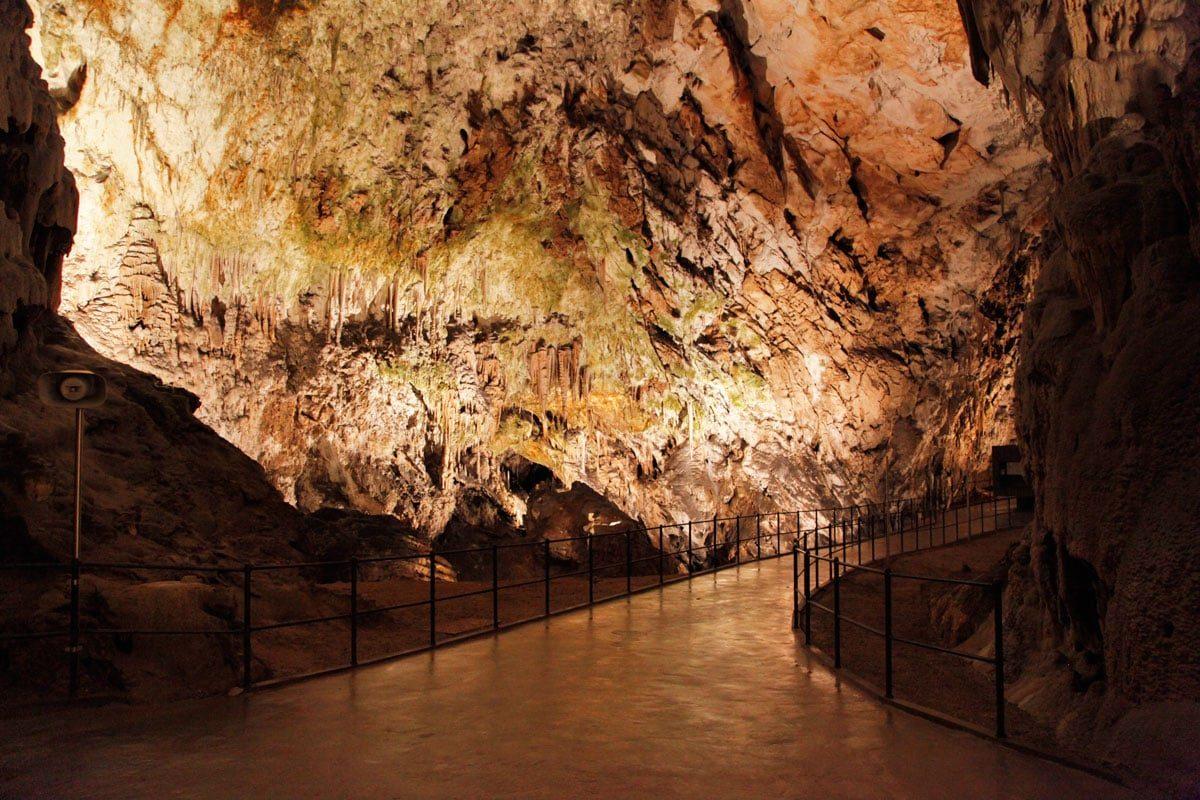 Grotten van Slovenie
