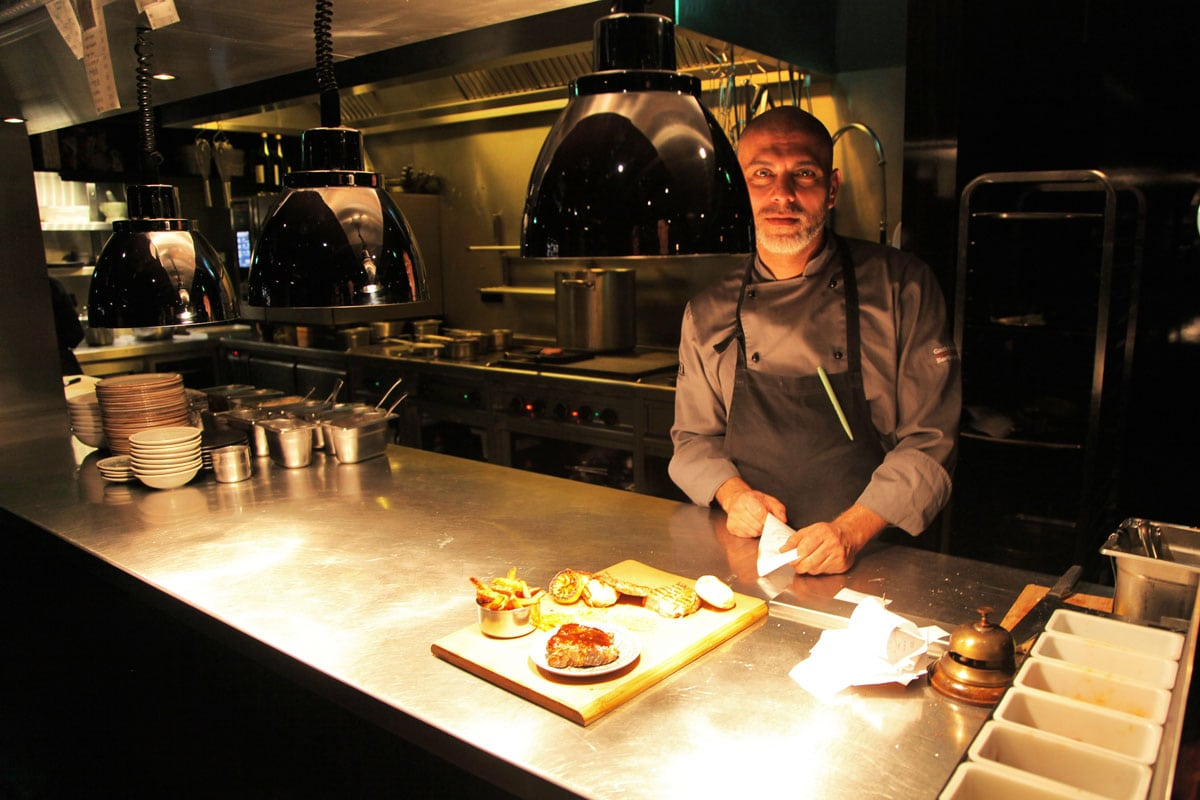 mani-restaurant-chef