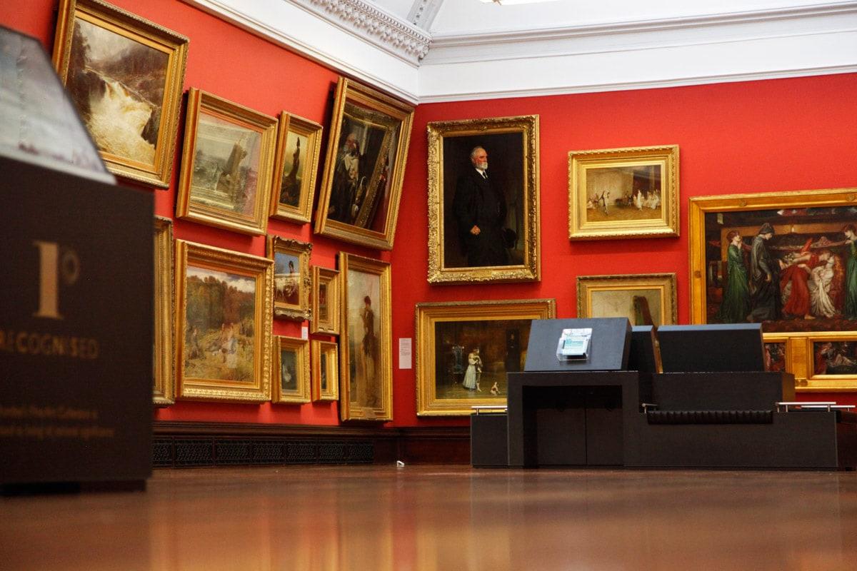 Kunwerken in museum in Dundee