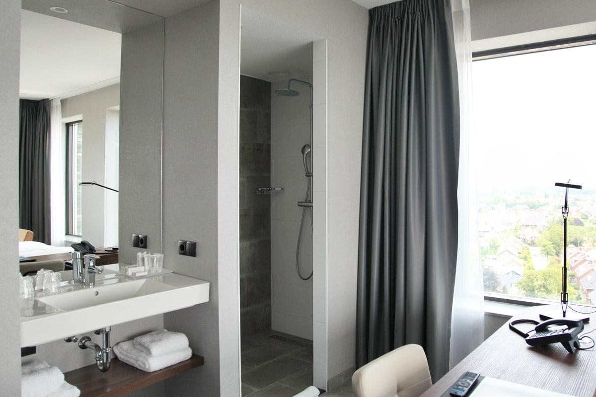 Hotel Van der Valk Nijmegen - Badkamer hoeksuite