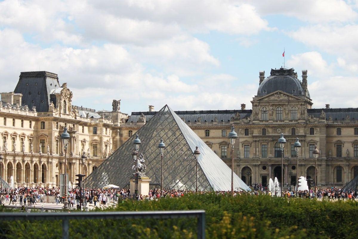 wat te doen in Parijs bezoek het louvre