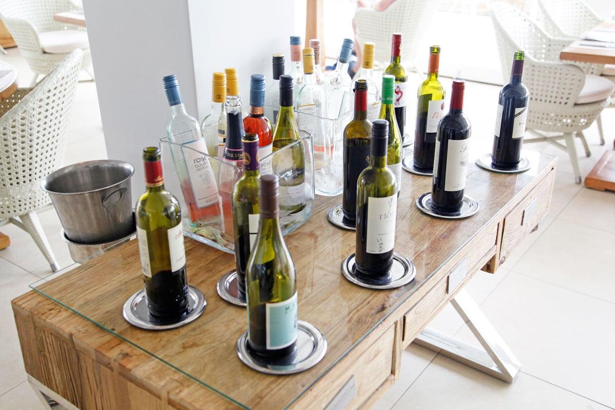 Wijnen in het Ikos Olivia hotel
