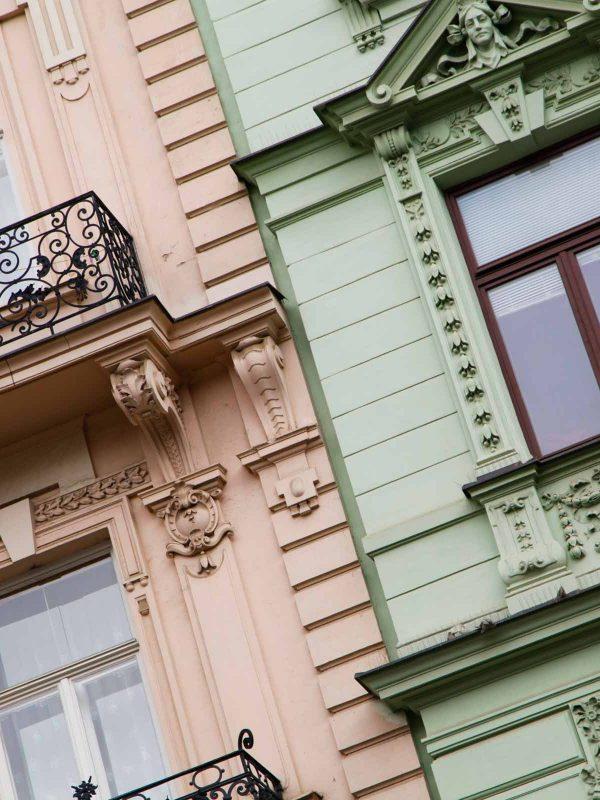 Architectuur in de straten van Brno