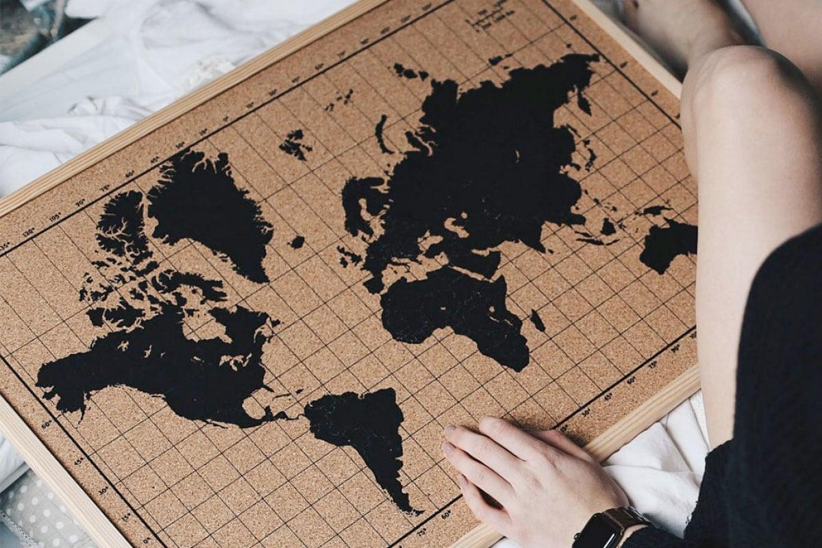 Cadeaus voor mannen - Wereldkaart prikbord