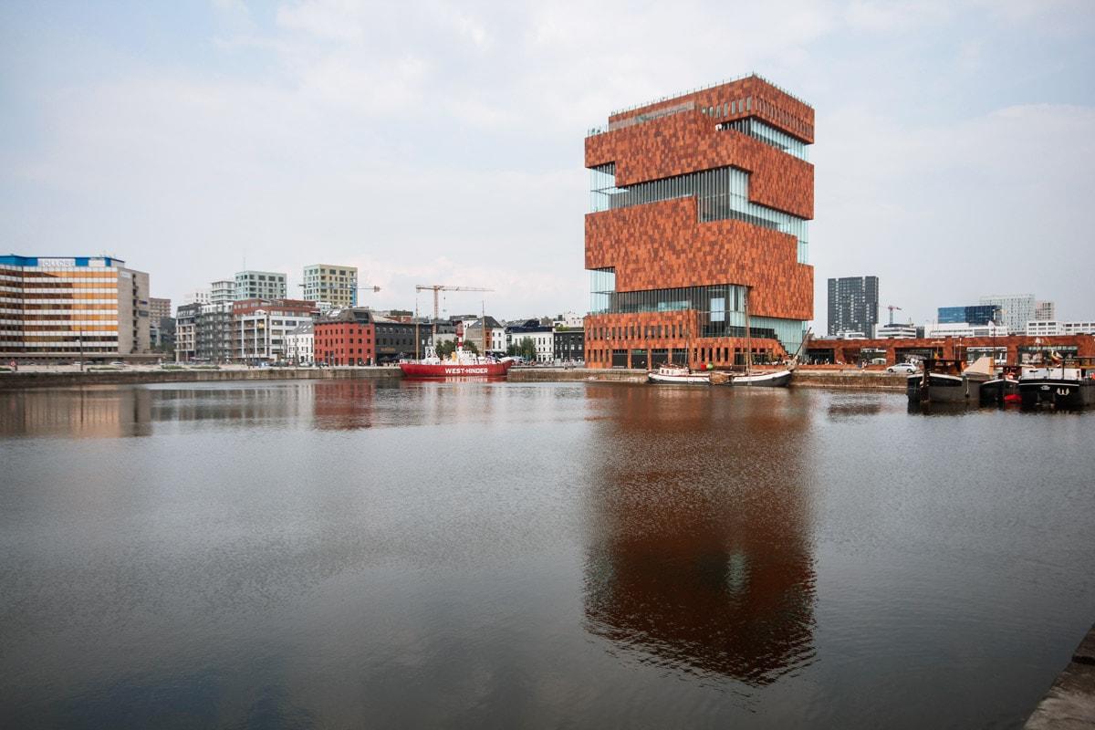 Het MAS museum op 't Eilandje
