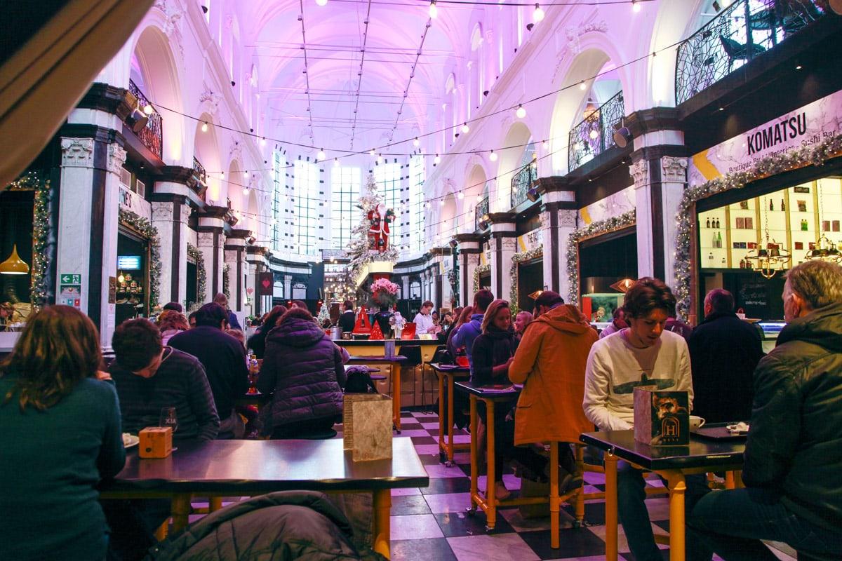 Eten in de kerk Gent