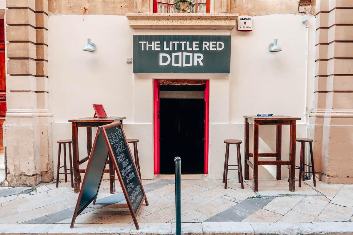 hotspots valletta bars malta