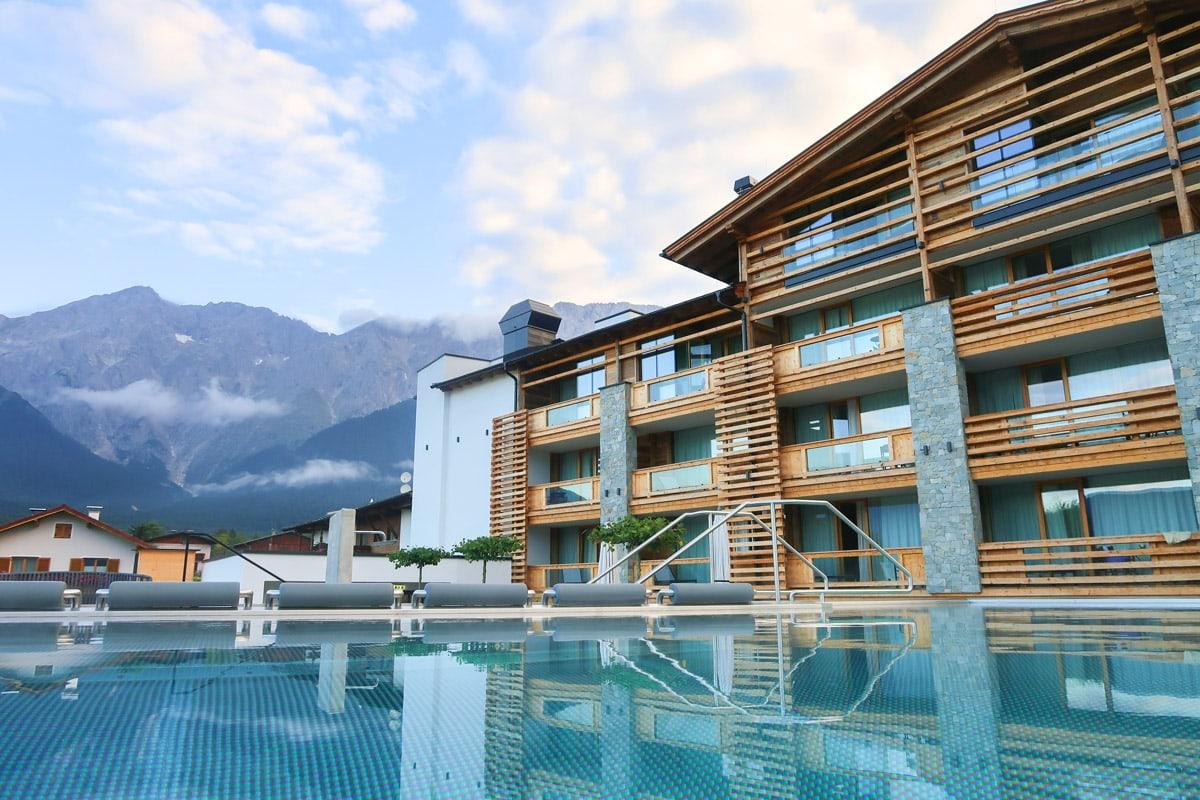 Infinity pool in Alpenresort Schwarz