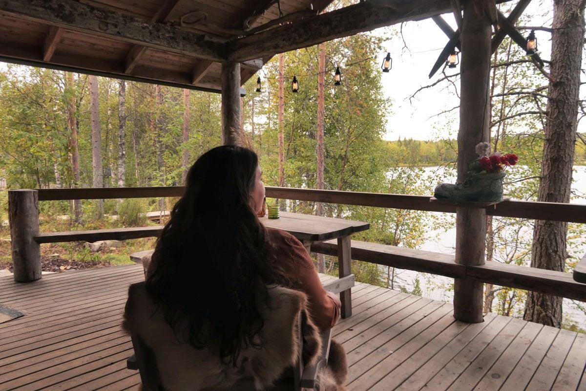 Finse sauna aan het meer in Lapland