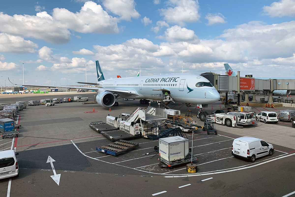 cathay pacific amsterdam schiphol