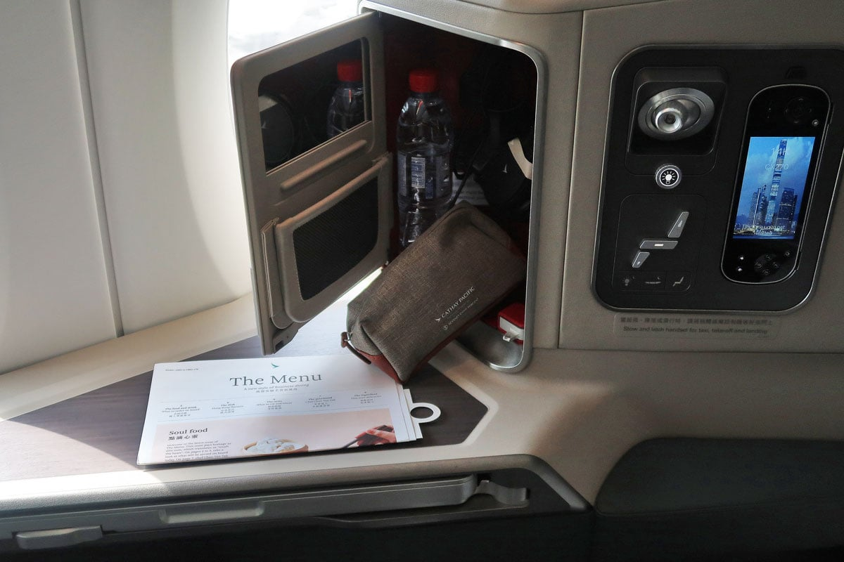 cathay pacific amenity kit a350