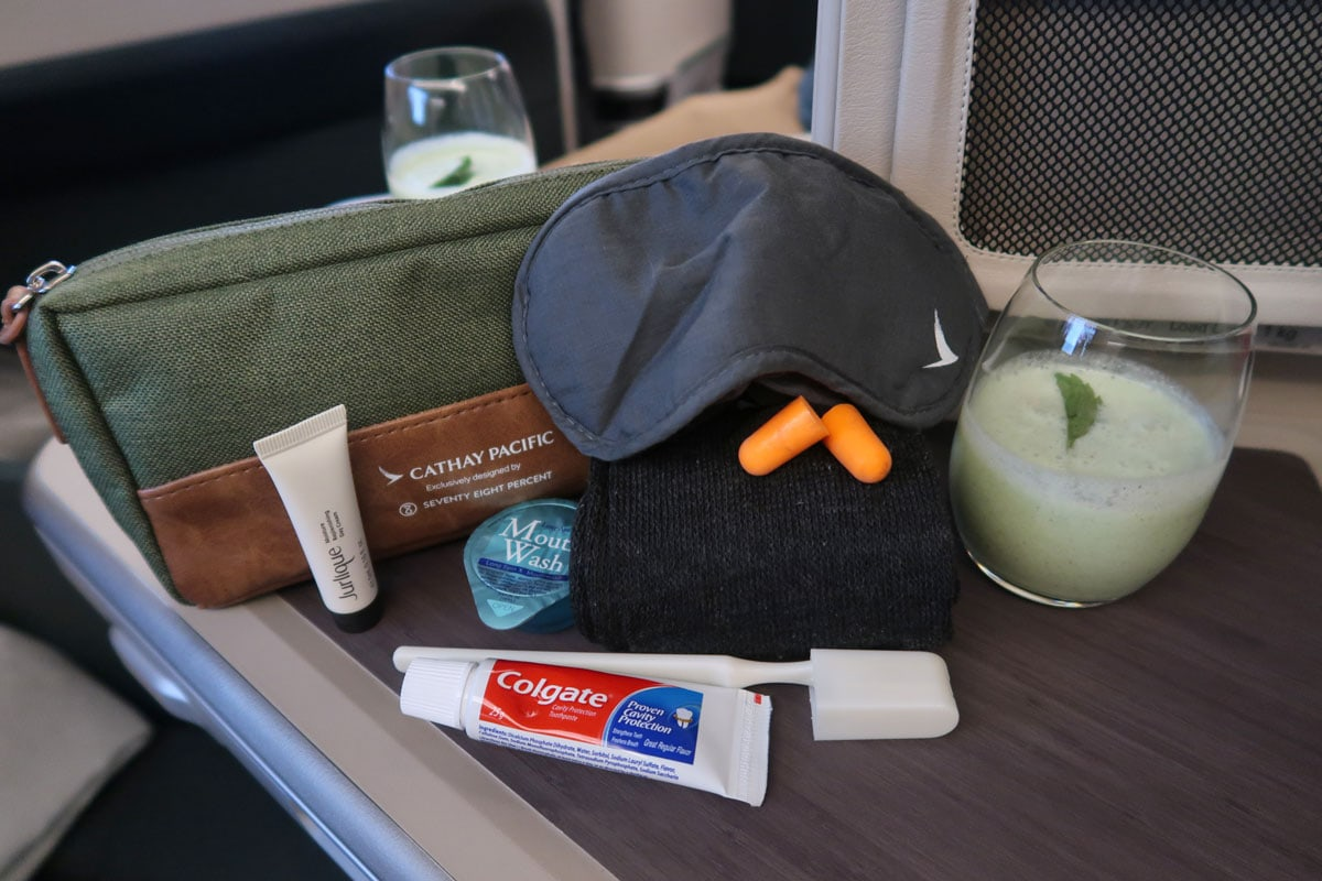 cathay pacific toilettas business class