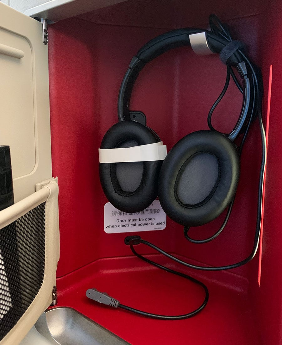 cathay pacific headphones a350-1000