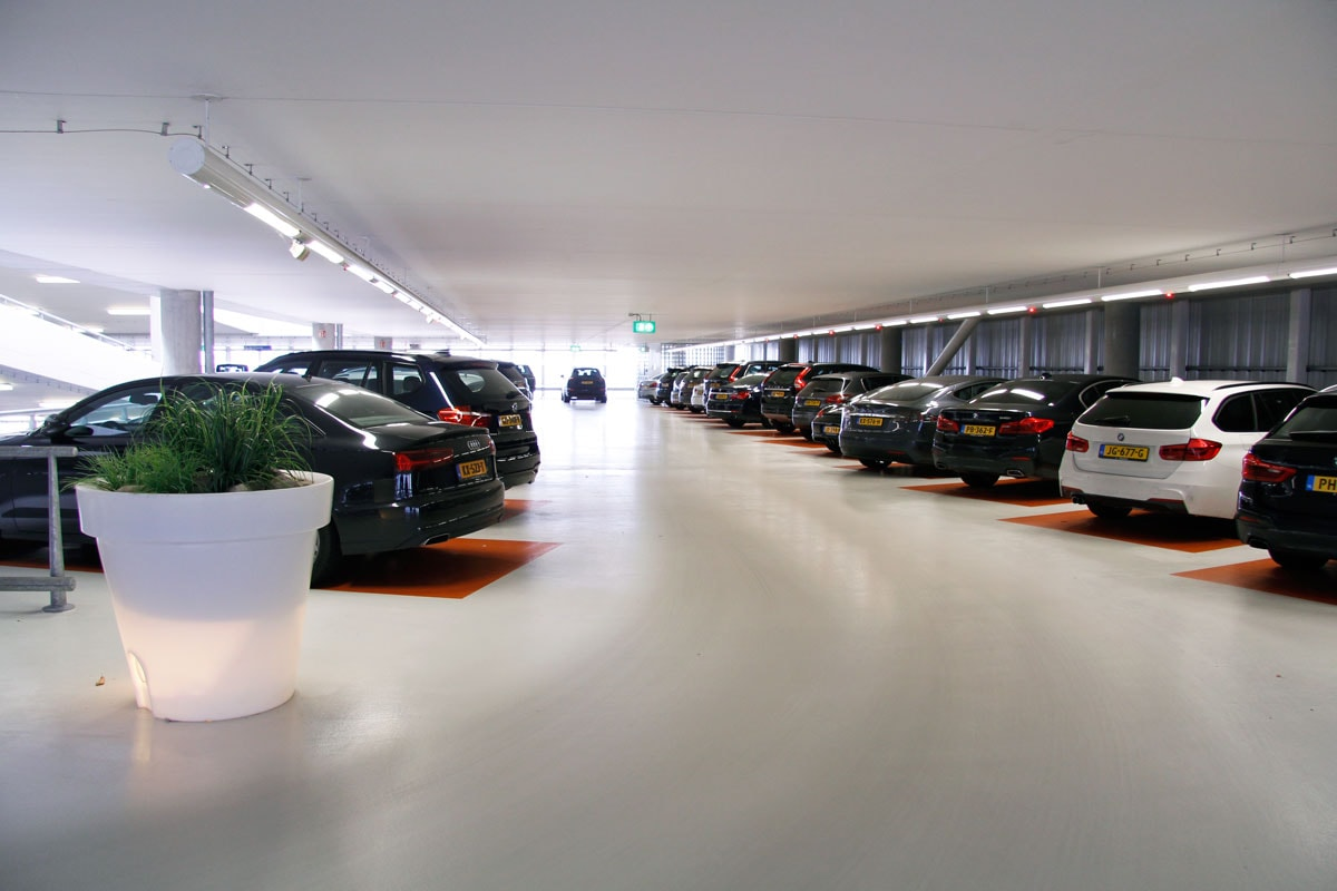 Schiphol Privium Parking