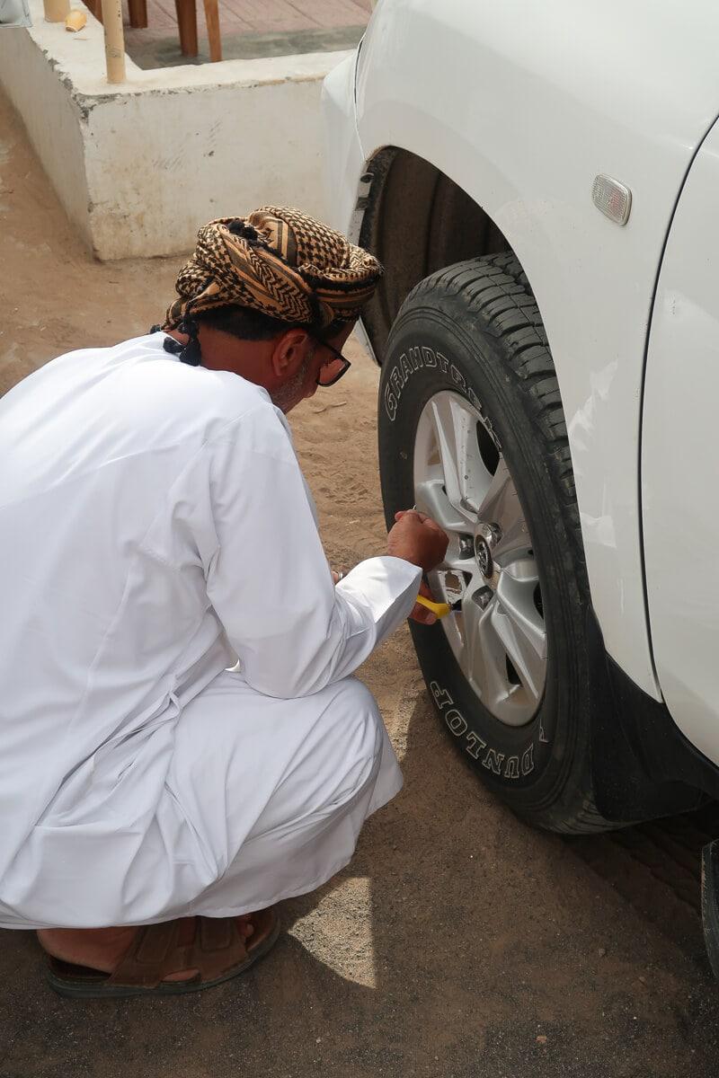 Rijden in de woestijn van Oman