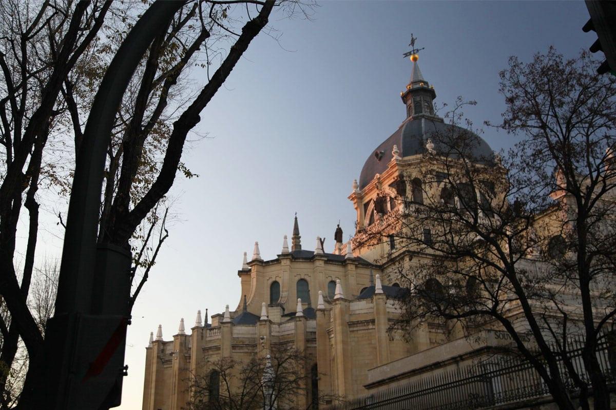 kathedraal madrid bezienwaardigheden