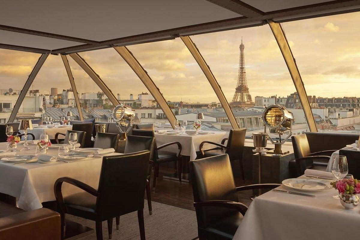 Hotel in Parijs met uitzicht op Eiffeltoren