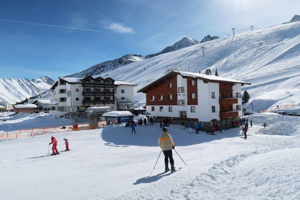 Het Oostenrijkse skidorp Kühtai