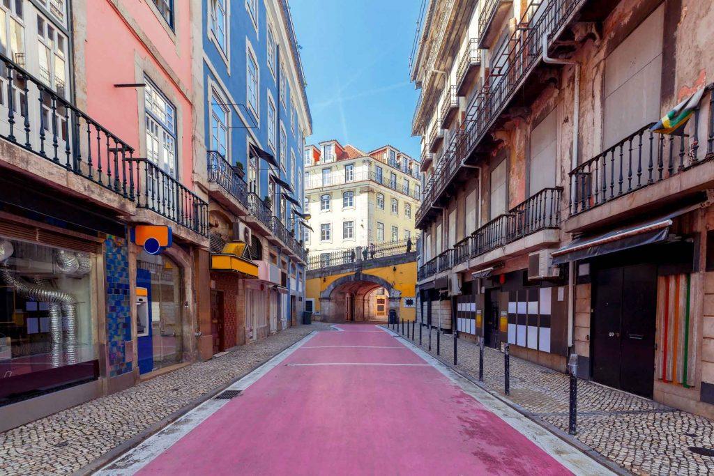 Pink street Lissabon nightlife uitgaanstraat